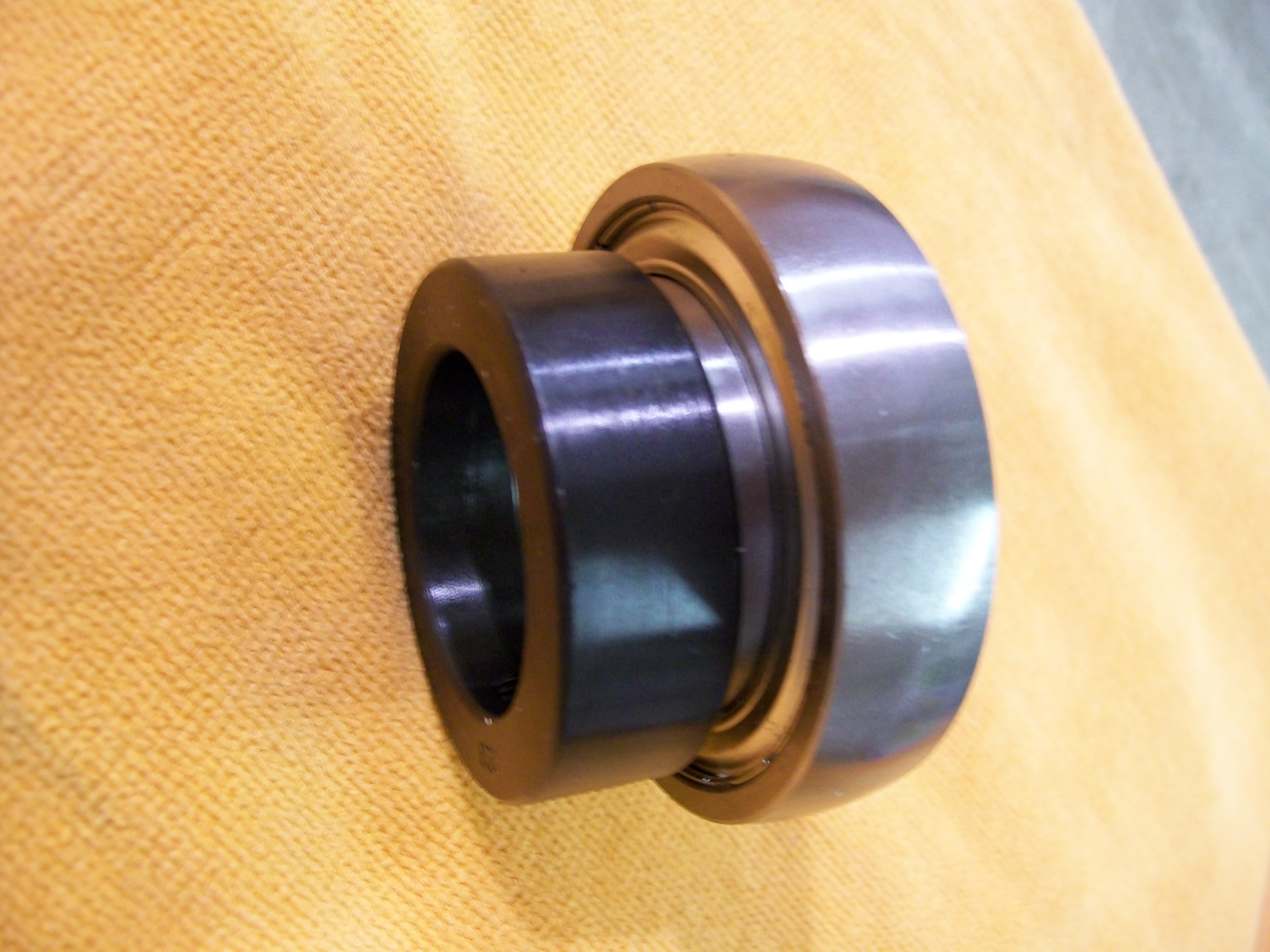 "SA208-24g, 1-1/2"" bore insert bearing w/ locking collar"